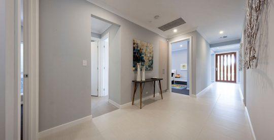 Hudson-Gallery-4-Hallway